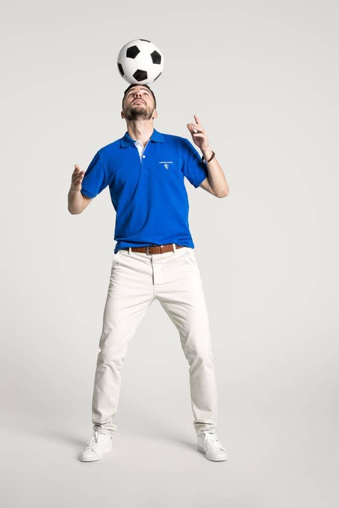 Klassisches Herren Poloshirt in Mittelblau - Weiß